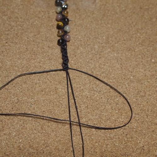 ジグザグ模様の編みブレスレット 作り方 編み方
