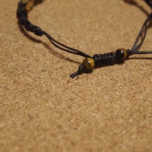 ジグザグ模様の編みブレスレットジグザグ模様の編みブレスレット 編みブレスレット 作り方 巻き結び